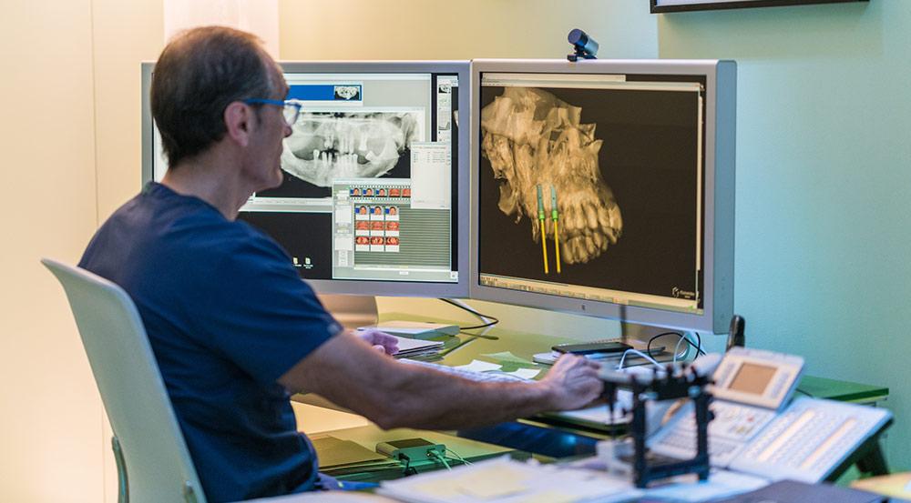 especialista-implantes-dentales